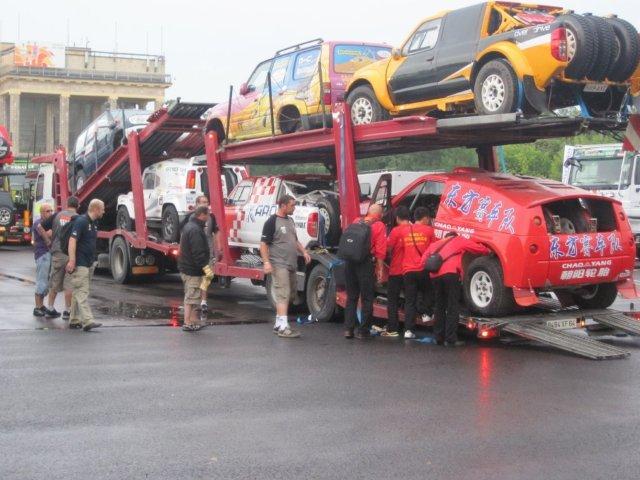 silk-way-rally-2011-day-2-3-043.jpg